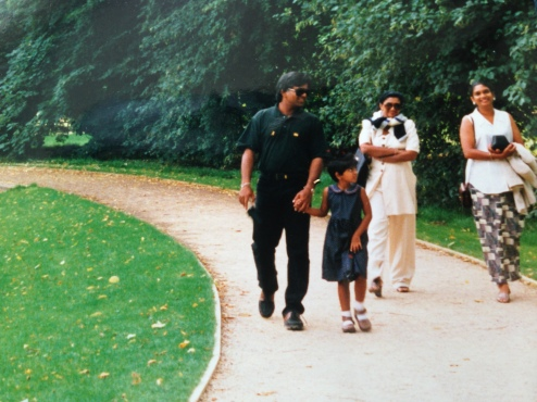 Arjuna Ranatunga, Captain of the Sri Lanka cricket test team and family visit the grave of Diana, Princess of Wales in 1998.